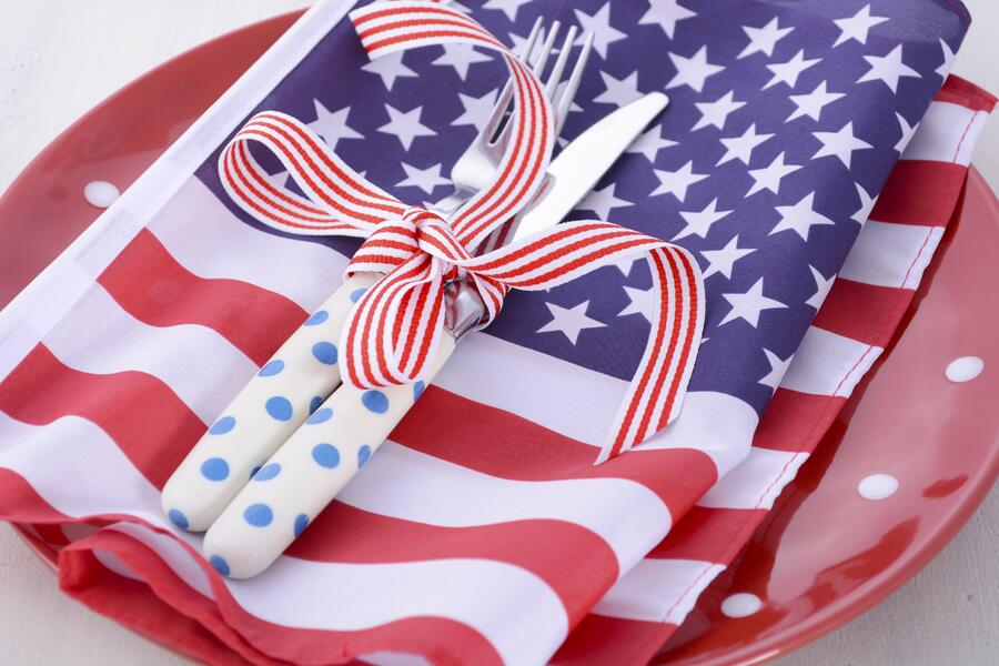 patriotic plates cups and napkins idea