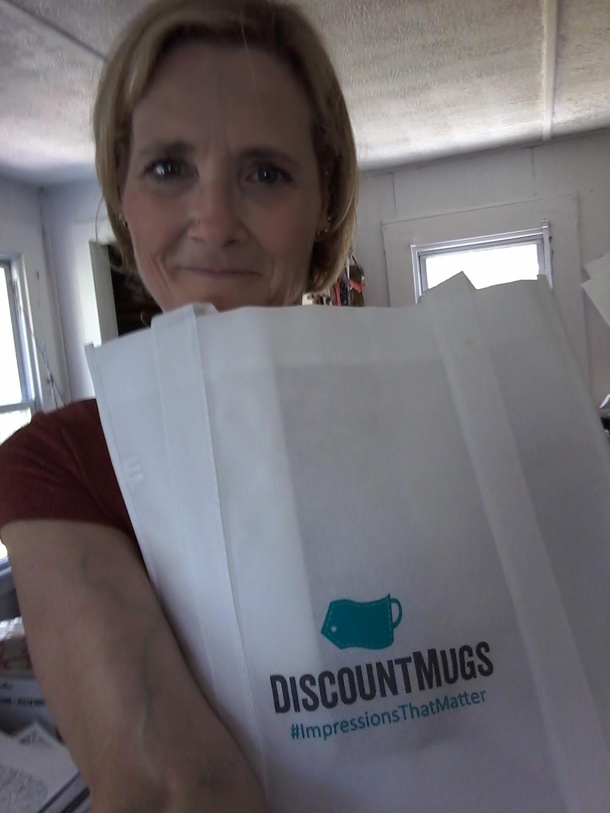 DiscountMugs Gives Back