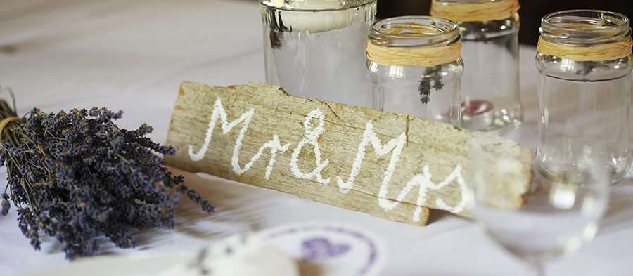 Wedding_Favors_Your_Guests_Will_Actually_Love_-_Hero.jpg