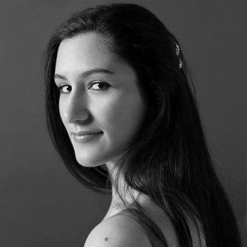 Roxana Clares